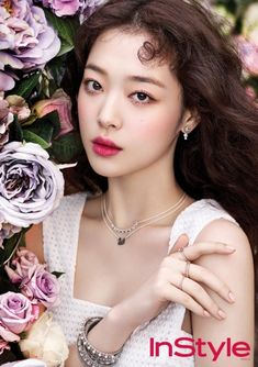 Sulli Shows Off Her Beauty with InStyle Magazine Sulli Choi, Choi Jin, Kpop Girl Groups, Kpop Girls, Korean Girl, Asian Girl, Beauty Makeup, Hair Makeup, Asian Make Up