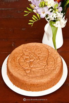 BLAT DE TORT DIN PANDISPAN CU CACAO SI NUCA | Diva in bucatarie Romanian Desserts, Romanian Food, Romanian Recipes, Food Cakes, Cheesecakes, Cake Cookies, Camembert Cheese, Cake Recipes, Sweet Treats