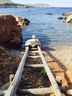 fishing-huts-pou-des-lleo