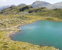 L'anno prossimo a Ferragosto il bagno lo faccio qui. #alpedelcermis #laghidibombasel #hiking #hikingadventures #vsco