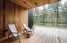 Image 8 of 32 from gallery of Family House Neveklov / ATELIER KUNC architects. Photograph by Jan Vrabec Modern Barn House, Journal Du Design, Charred Wood, Weekend House, Wood Patio, Minimalist Home Decor, Small Patio, Beautiful Architecture, House Plans