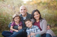 Love the light, natural expressions and affection among family members, exposure and processing