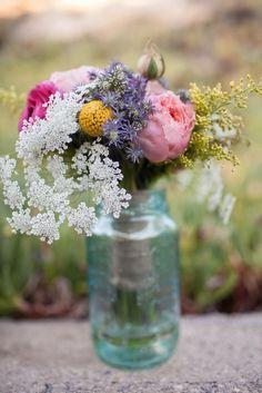 Rustic Wedding Flowers, Bridal Flowers, Wedding Bouquets, Home Wedding, Diy Wedding, Perfect Wedding, Wedding Ideas, Wedding Table Centerpieces, Reception Decorations