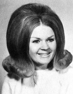 Hair-do Hall of Fame - Modern Classic Hairstyles, Retro Hairstyles, Prom Hairstyles, Vintage Hair Salons, Teased Hair, Bun Hair, Helmet Hair, Vintage Magazine, Hair Flip
