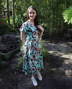When all the photos you take are with your eyes closed. Here is my outfit yesterday. I haven't worn my eve dress in a while. Diy Dress, Wrap Dress, Dress Sewing, Sew Over It, My Outfit, Free Pattern, Sewing Patterns, Short Sleeve Dresses, Eyes