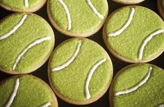 The best signal that Summer has arrived? When Wimbledon begins! Despite the wet weather, Wimbledon is under way in London. No Bake Sugar Cookies, Meringue Cookies, Iced Cookies, Cut Out Cookies, Cute Cookies, Cookies Et Biscuits, Iced Biscuits, Cupcakes, Cupcake Cookies