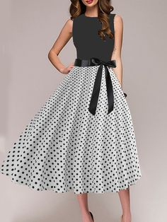 Round Neck Polka Dot Skater Dress - Top Look Cheap Skater Dresses, Cheap Dresses Online, Floral Skater Dress, Skater Skirts, Shift Dresses, Pretty Outfits, Black Outfits, Pretty Clothes, Dress Silhouette