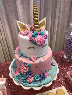 cake Unicorn betun - Unicorn Party - Birthday Party Ideas for Kids and Adults Diy Unicorn Birthday Party, Birthday Cake Girls, 5th Birthday, Adult Birthday Ideas, Kreative Desserts, Girl Cakes, Savoury Cake, Party Cakes, Party Party