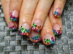 Animal style. Cheetah leopard nail design tye-dye