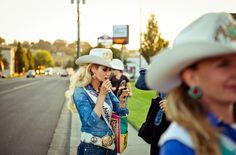 Gabriela Herman es una fotógrafa de Brooklyn que está especializada en viajes, comida, estilo de vida y retratos. Sus proyectos personales han recibido la atención del New York Times, Wired y The Atlhantic y se han exhibido en todo el mundo. Ha sido reconocida en American Photography 30 & 31 como finalista de la crítica y como una de las mejores fotógrafas  emergentes en la Fundación Magenta.