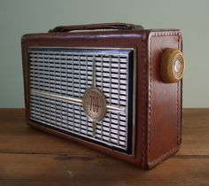 Silvertone 700 Transistor Radio Genuine Top Grain Cowhide Model 1217