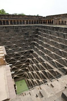 Walk down & climb up the Chand Baori stepwell - Rajasthan Indian Architecture, Ancient Architecture, Amazing Architecture, Landscape Architecture, Great Places, Places To See, Beautiful Places, Amazing India, Amazing Buildings