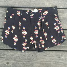 ♡SALE♡ Black aztec print shorts Black aztec print shorts. Forever 21. Size small. Belt loops. Zipper and button closure in front. Back pockets. Forever 21 Shorts