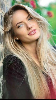 Beautiful Blonde Girl, Beautiful Girl Image, Gorgeous Women, Beauté Blonde, Blonde Beauty, Hot Blonde Girls, Hair Beauty, Most Beautiful Faces, Stunning Eyes