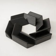 MC 10 modular sculpture by Matt Calderwood, Grey Area Multiples Paris. Geometric Sculpture, Abstract Sculpture, Sculpture Art, Sculptures, Ceramic Design, Ceramic Art, Paper Structure, Modular Structure, Digital Fabrication