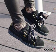 Happy customer en blogger BelessaNL styled onze Puma suede Heart sneakers met visnetkousjes  https://www.sooco.nl/puma-suede-heart-satin-wns-zwarte-lage-sneakers-30204.html