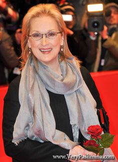 #MerylStreep Attends The Iron Lady Premiere In Lustrous #SilverScarf