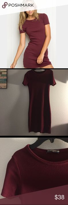 Brandy Melville Maroon Bodycon Ribbed Dress Super soft and stretchy material (this dress is soooo comfortable lemme tell you). Worn once to a New Years Eve party. Slightly ribbed material, beautiful dark maroon color. MAKE ME AN OFFER :)) Brandy Melville Dresses Midi