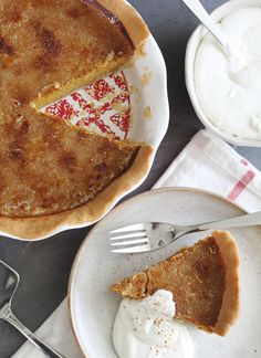 Ronnie Woo's Bruleed Pumpkin Pie With Shortbread Crust Holiday Desserts, Just Desserts, Delicious Desserts, Sugar Pumpkin, Pumpkin Spice, Pie Dessert, Dessert Recipes, Yummy Yummy, Delish