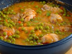 Mancarica de mazare cu carne de pui - Chicken with peas Crockpot Recipes, Soup Recipes, Chicken Recipes, Cooking Recipes, Good Food, Yummy Food, Hungarian Recipes, Romanian Recipes, Romanian Food