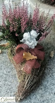 Garden Workshops, Memorial Flowers, Funeral Flowers, Grapevine Wreath, Flower Decorations, Grape Vines, Flower Arrangements, Christmas Wreaths, Holiday Decor