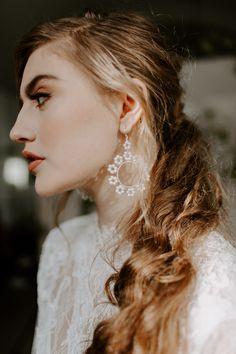 Bridal Shoot, Bridal Hair, Pink Candles, Industrial Wedding, Floral Style, Real Weddings, Minimalist, Wedding Inspiration, Earth