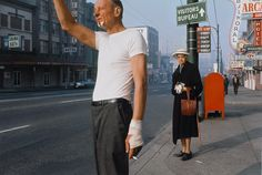 What a photo! - Fred Herzog: Man with Bandage, Courtesy of Equinox Gallery, Vancouver / 100 years LEICA Vivian Maier, Leica Photography, Color Photography, Photography Office, Photography Books, Vintage Photography, White Photography, Saul Leiter, Famous Photographers
