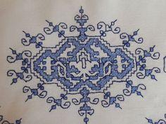 DSCN1111 Embroidery Art, Embroidery Patterns, Cross Stitch Patterns, Cross Stitch Cushion, Bjd Dolls, Monster High, Blackwork, Childhood Memories, Delicate