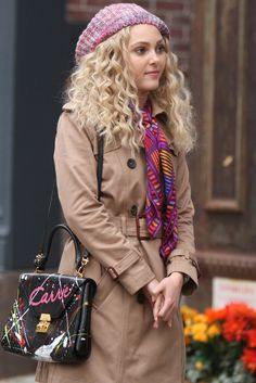 Wish my curls were like this!  Anna Sophia Robb  Its a Carrie Wig