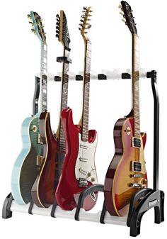 Der ultimative Mehrfachgitarrenständer Guardian im Studio, auf der Bühne, im Laden oder in den eigenen vier Wänden! Unser Guardian hält die verschiedensten Gitarren sicher, platzsparend und übersichtlich für den Musiker bereit. Hier im Test bei delamar!