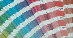 Cómo calibrar los colores en una Konica Bizhub. Las Bizhub de Konica son una colección de impresoras de alta calidad que ofrecen capacidades de impresión excepcionales. Reconocidas por su velocidad y precio, son ideales para aquellos clientes que necesitan impresiones de alta calidad. Calibrar y cambiar las escalas de colores en estas impresoras es una tarea simple.
