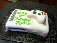 Could make the controller out of rice krispie treat and fondant and place on ice cream cake ;) perfect for his birthday Xbox Party, Video Game Cakes, Video Game Party, Video Games, Cute Cakes, Yummy Cakes, Sweet Cakes, Xbox Cake, Gateaux Cake
