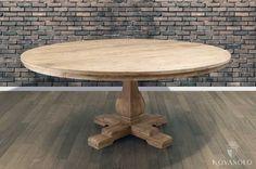 Stort, kraftig og røft Provence spisebord med diameter på hele 180 cm! Bordet er produsert i resirkulert furu og vil bære tydelige spor av sitt tidligere liv. Hvert enkelt bord vil være helt unikt med sprekker, hull, kvister og fargevariasjoner - dette er en naturlig del av produktet og helt i tråd med slik det er ment å være!   Dette er bordet for deg som vil ha noe som ikke alle andre har og som liker den røffe stilen. Sprekker og skjevheter kan og vil forekomme!