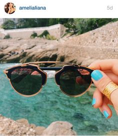The gorgeous beauty blogger/vlogger #amelialiana enjoying the sun in our gold Hamsa ring
