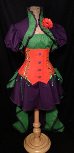 THE JOKER Steampunk UnderBust Corset Bustle Skirt by loriann37 Couple Halloween Costumes, Halloween Cosplay, Cool Costumes, Cosplay Costumes, Cosplay Ideas, Batman And Robin Costumes, Comic Con Outfits, Purple Corset, Villain Costumes