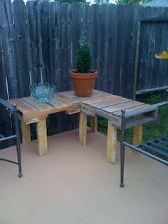 Corner Pallet Table.