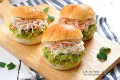 과카몰리크래미샌드위치~ 아보카도를 맛있게 먹는방법 : 네이버 블로그 Salmon Burgers, Chicken, Ethnic Recipes, Food, Frozen Fruit, Food Food, Essen, Meals, Yemek