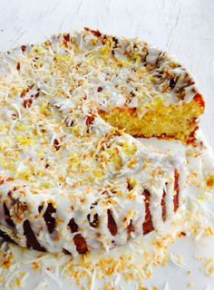 I've reworked an old favourite to make it gluten-free and also tweaked the ingredients a bit – now it's even more fabulous. With lots of fruit, a crown of lemon icing and toasted coconut, it's a big treat to share with friends. Fejoa Recipes, Fruit Recipes, Dessert Recipes, Recipies, Clean Eating Cake, Guava Cake, Delish Cakes, Fruit Tart, Cafe Food