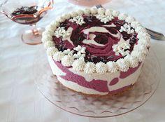 Fragrant Vanilla Cake: Raw Blackberry Lemon Lavender Cheesecake