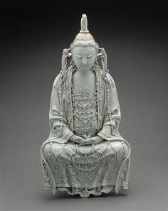 Bodhisattva in white dress -  13th century. Yuan dynasty (1279-1368 A.D). | Photo (C) RMN-Grand Palais (musée Guimet, Paris) / Thierry Ollivier