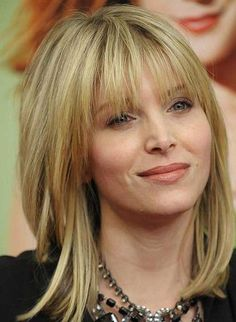 haircuts for fine hair Check Out 25 Cool Hairstyles For Fine Hair Women's. There are plenty of celebrities who know some great tricks when it comes to creating winning hairstyles for fine hair. Medium Hair Styles For Women, Bangs With Medium Hair, Medium Hair Cuts, Short Hair Styles, Medium Cut, Medium Hairstyles With Bangs, Shoulder Length Hair With Bangs, Shoulder Bob, Shoulder Haircut