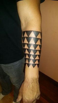Feather Tattoos, Arm Tattoos, Love Tattoos, Body Art Tattoos, Tattos, Tattoos For Guys, Bird Tattoo Men, Tattoo Maori, Wrist Band Tattoo