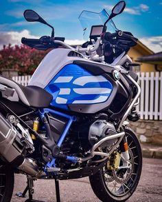 #BMW #motorcycle #motorbike #moto #motocicleta #мотоцикл #байк Bmw Motorbikes, Bmw Motorcycles, Custom Motorcycles, Gs 1200 Adventure, Rolls Royce, Bike Bmw, Motorcycle Luggage, Bmw Boxer, Bike Photography