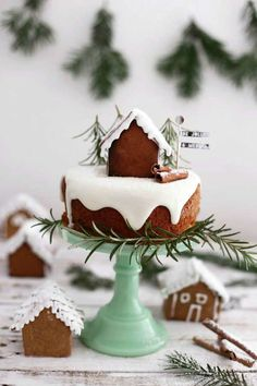 Get into the Christmas spirit with these 10 Wintery Christmas Cakes. Festive fun for everyone!