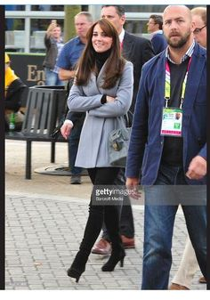 Kate's Closet on Twitter: Wales vs. Australia, Rugby World Cup 2015, October 10, 2015-the Duchess of Cambridge wore her Reiss 'Delaney' coat, black turtleneck and jeans, Aquatalia 'Rumba' boots and carried her Tod's bag