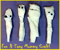Super easy, and so much fun for kids!  Goes great with ancient Egypt themes and Halloween!!  Mummy Preschool Craft from Preschool Powol Packets!!