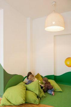 Kita Einrichtung-Baukind Grün-Bodenkissen Sitzsack