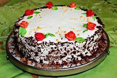 Przepisy Kulinarne: Tort śmietankowy z czekoladą i różami