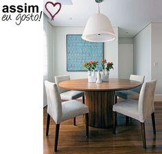 sala com mesa de madeira casa claudia