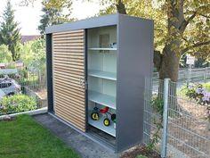 """Design Gartensauna """"black box"""" in der Ausstellung"""